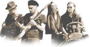 una foto giustamente virata a seppia dei ragazzi della Old Rock City orchestra